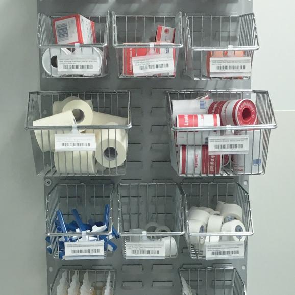 label-holder-on-basket-hospital